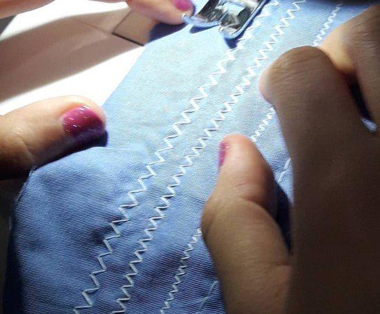 Aulas de customização de roupas para crianças e adolescentes