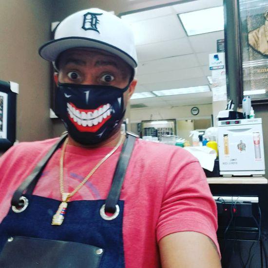 Máscaras divertidas e bizarras